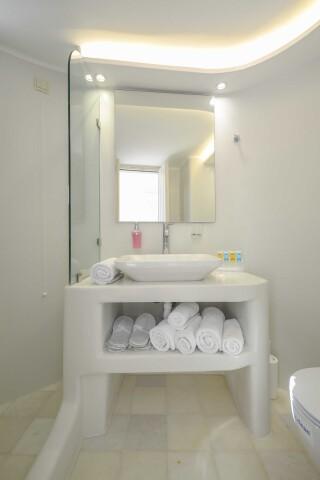 exclusive villa naxian queen bathroom amenities
