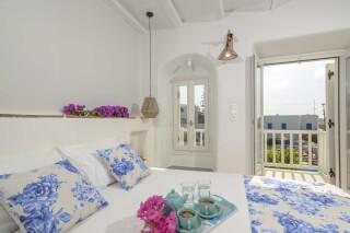 exclusive villa naxian queen bedroom