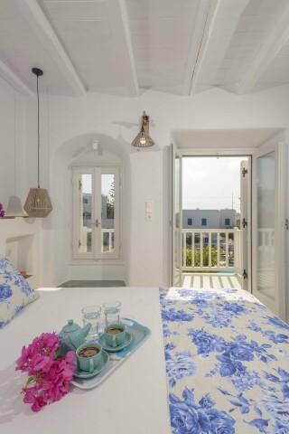 exclusive villa naxian queen room