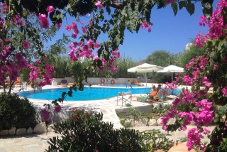pool-villa-naxos